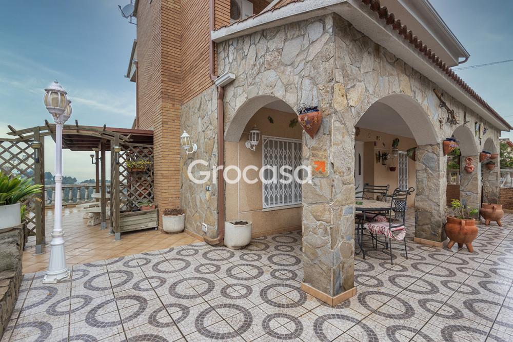 Casa en Gelida en Venta por 398.000€