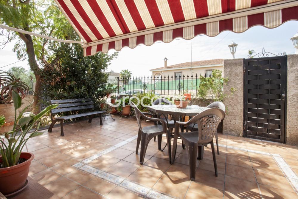 Casa en La Pobla de Vallbona en Venta por 223.000€