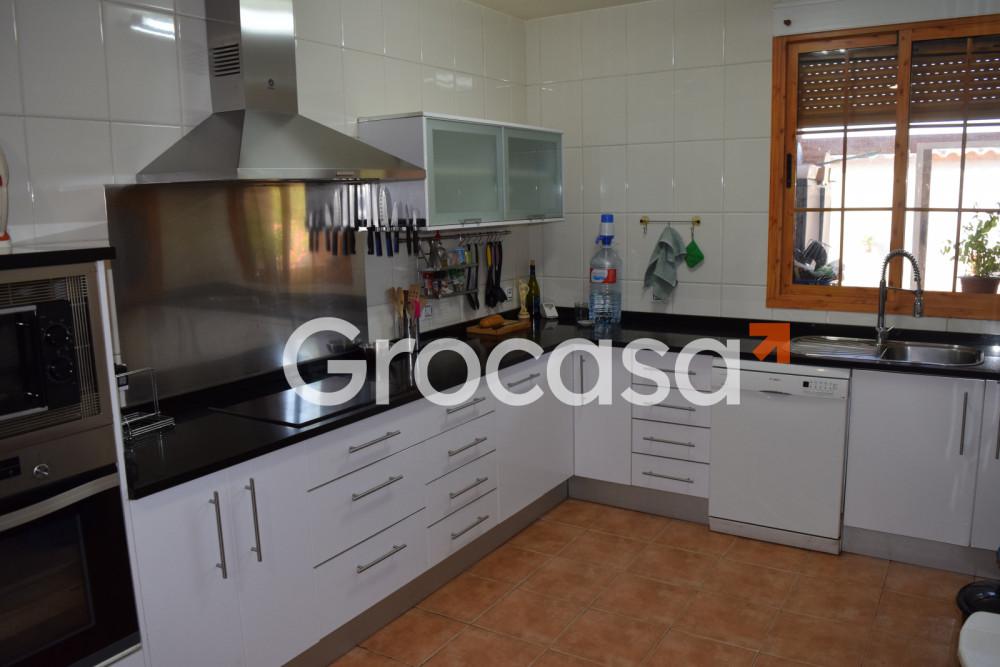 Casa en Fernán Caballero en Venta por 350.000€