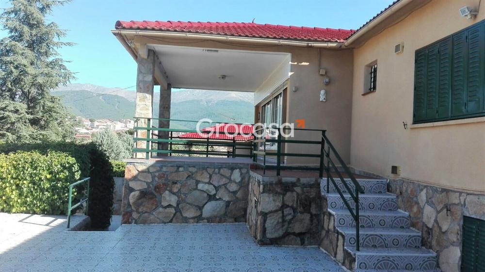 Casa en La Adrada en Venta por 230.000€