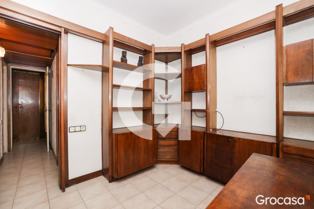 Piso en El guinardó en Barcelona en Venta por 165.000€