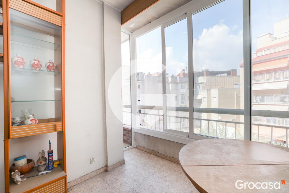 Piso en El gall en Esplugues de Llobregat en Venta por 135.000€