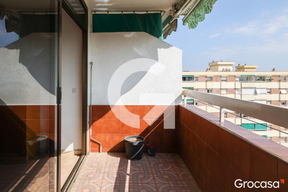Piso en Can serra en L'Hospitalet de llobregat en Venta por 209.000€
