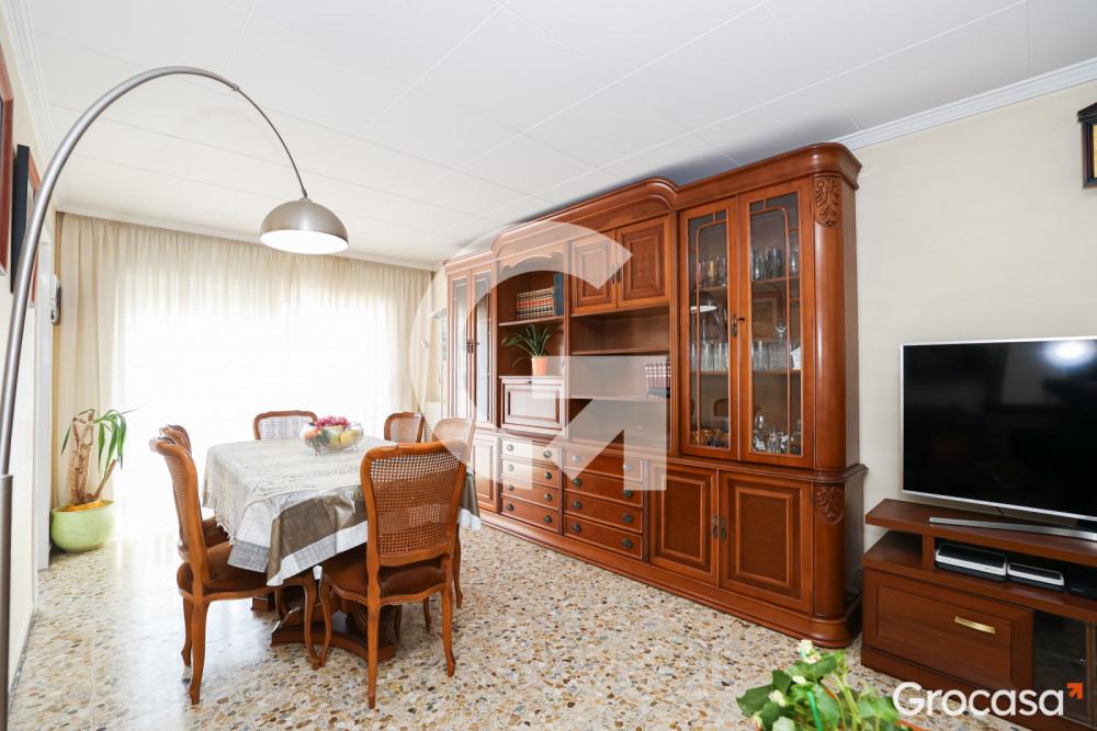 Piso en Pep ventura en Badalona en Venta por 189.000€