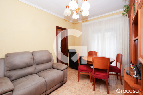 Piso en Collblanc en L'Hospitalet de llobregat en Venta por 137.000€