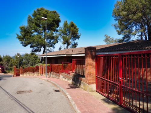 Casa en Santa Coloma de Cervelló en Venta por 760.000€