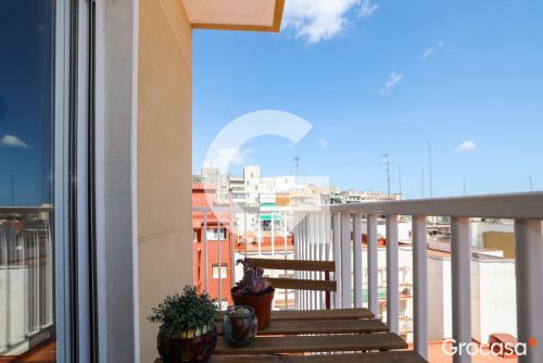 Piso en Montesa en Esplugues de Llobregat en Venta por 249.000€
