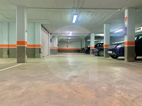 Parking en Centre en Esplugues de Llobregat en Venta por 29.000€