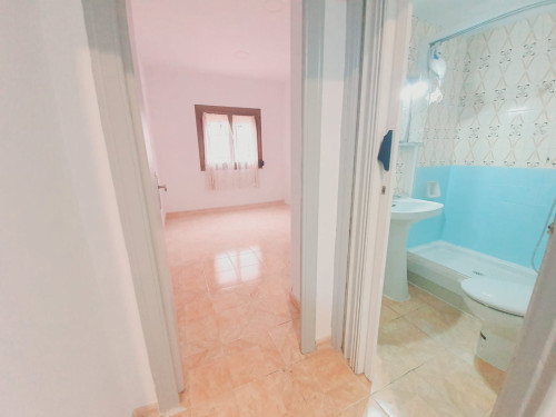Piso en La florida en L'Hospitalet de llobregat en Venta por 110.000€
