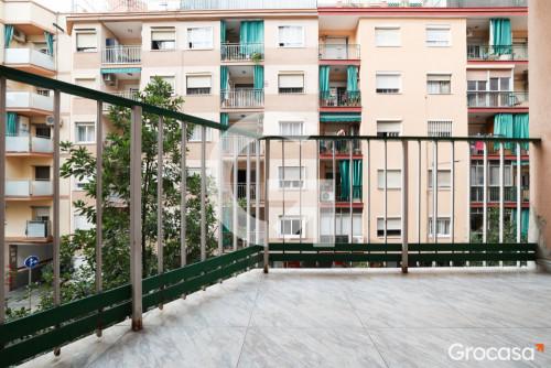 Piso en L'Hospitalet de llobregat en Venta por 155.000€