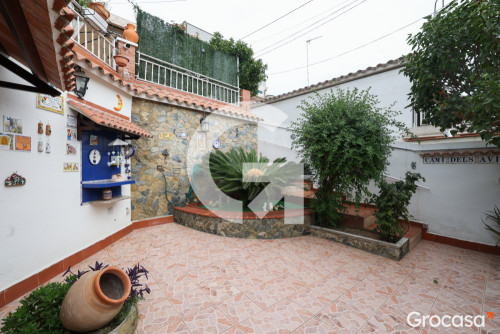 Casa en Sant josep en Sant Vicenç dels Horts en Venta por 290.000€