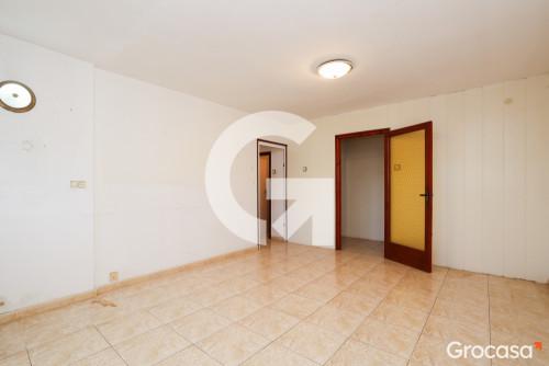 Piso en Camps blancs en Sant Boi de Llobregat en Venta por 143.000€