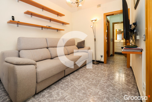 Piso en Centre en Viladecans en Alquiler por 819€